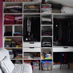 Aménagement intérieur avec tiroirs